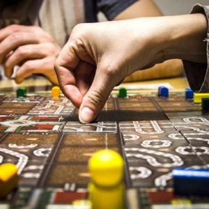 Tra pistole e maledizioni tre party games perfetti per - Gioco da tavolo bang ...